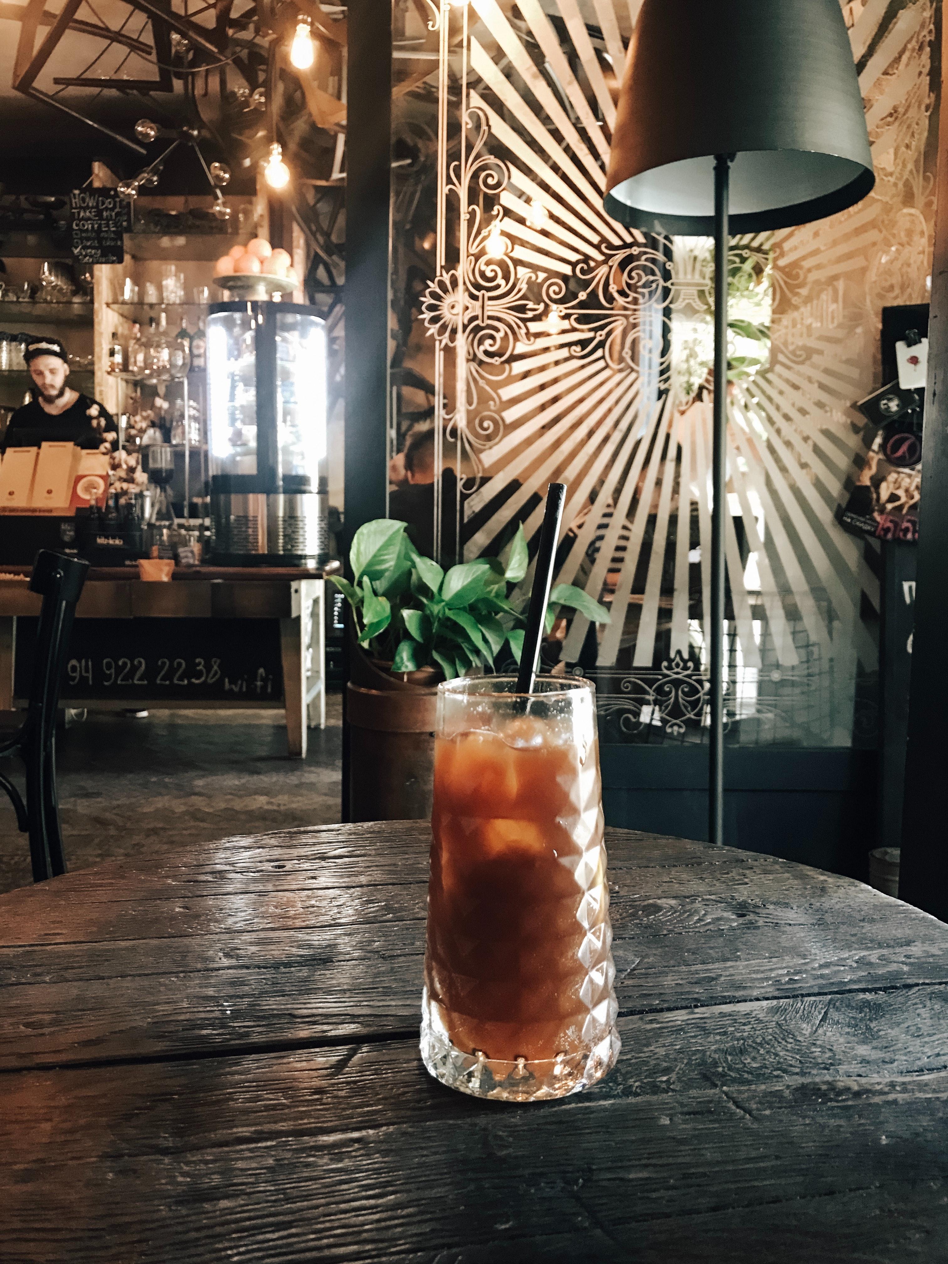 bar-bartender-beverage-2067561