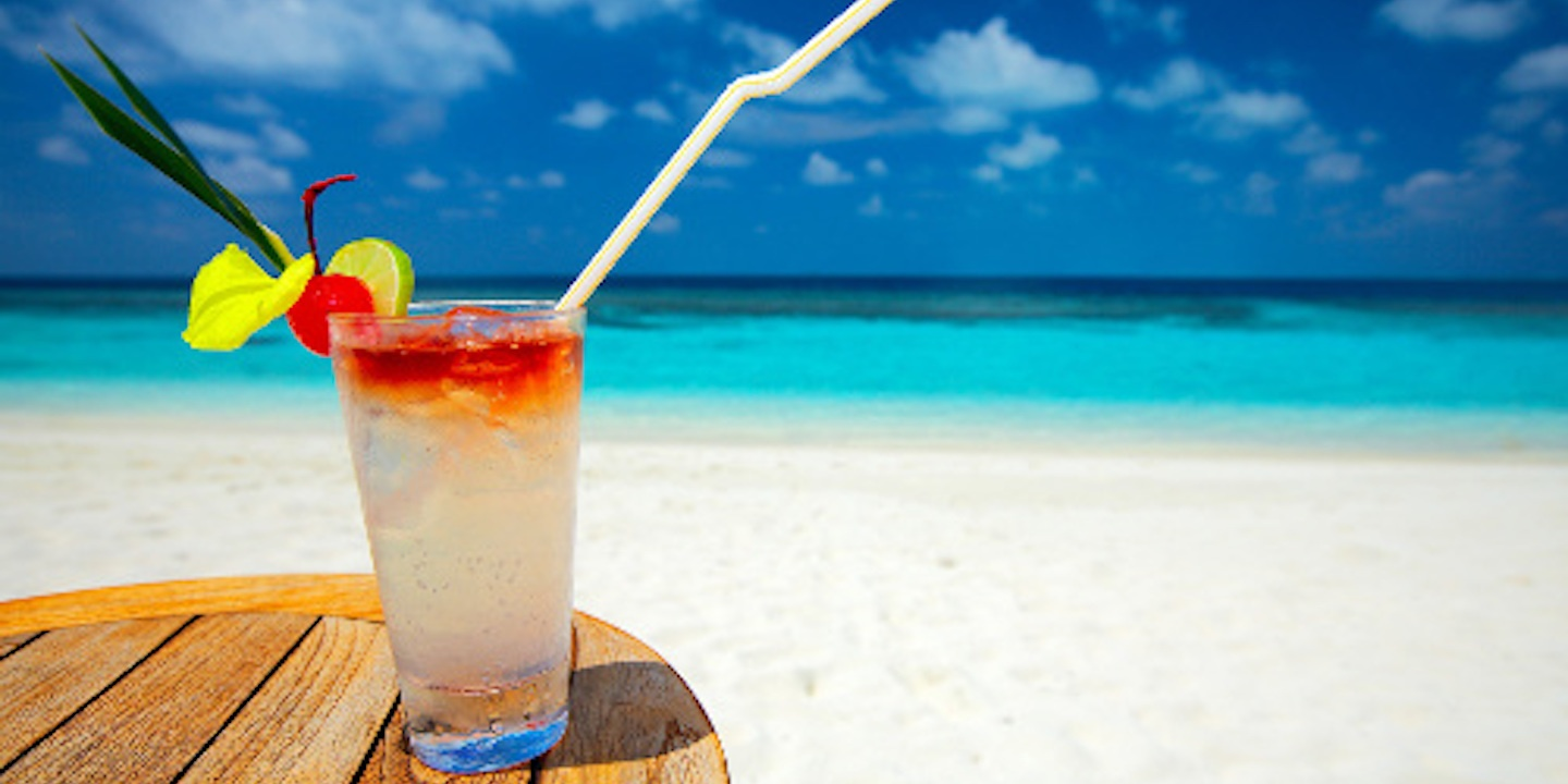 low-calorie-cocktails-for-perfect-summer-refreshment-featured